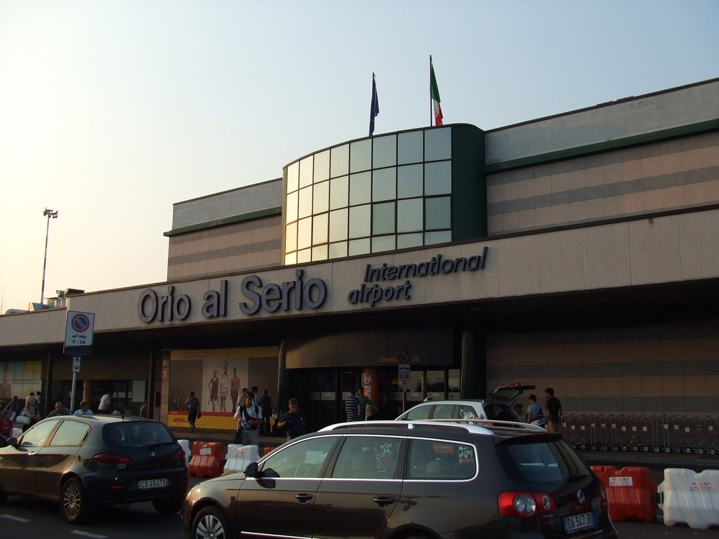 Aeroporto Orio Al Serio : Bergamo orio al serio airport passenger terminal refurbishment