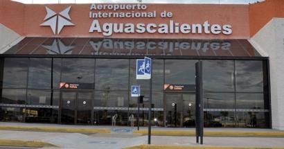 Aeropuerto Internacional Licenciado Jesús Terán Peredo: Taxis