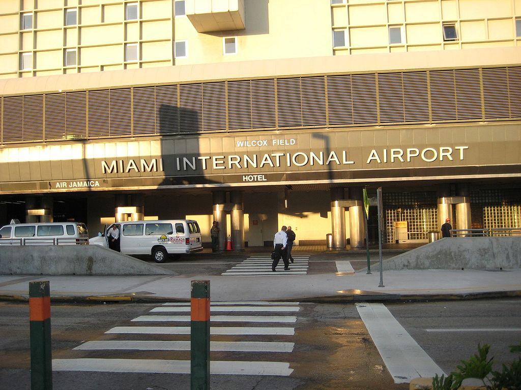 Resultado de imagen para Aeropuerto Internacional de Miami