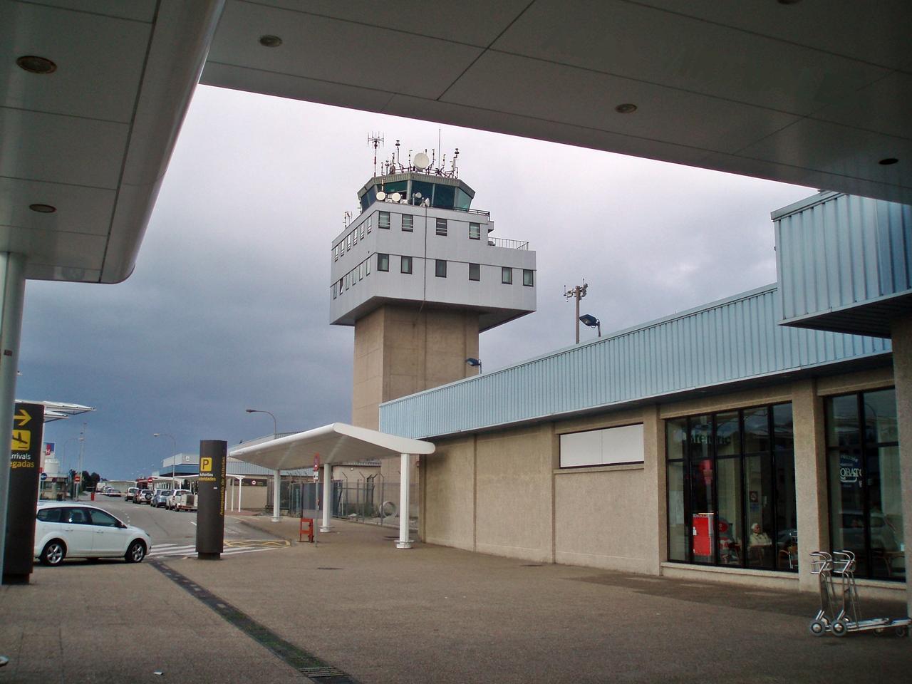 Aeropuerto de asturias ovd aeropuertos net for Oficina alsa oviedo
