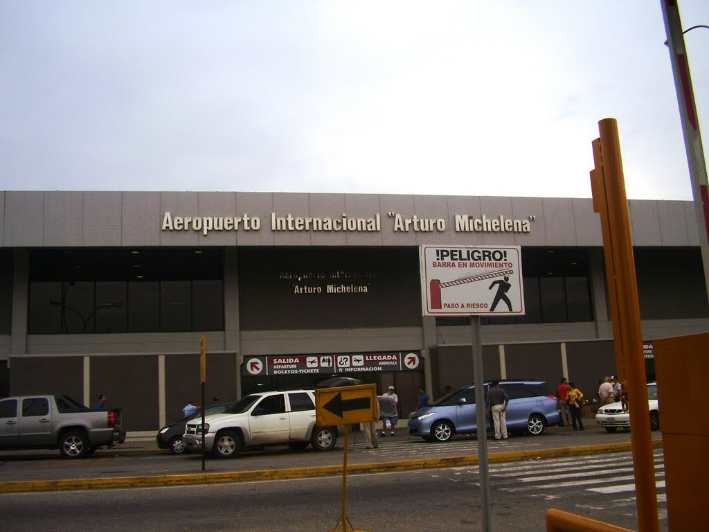 Aeropuerto internacional arturo michelena vln for Empresas de pladur en valencia