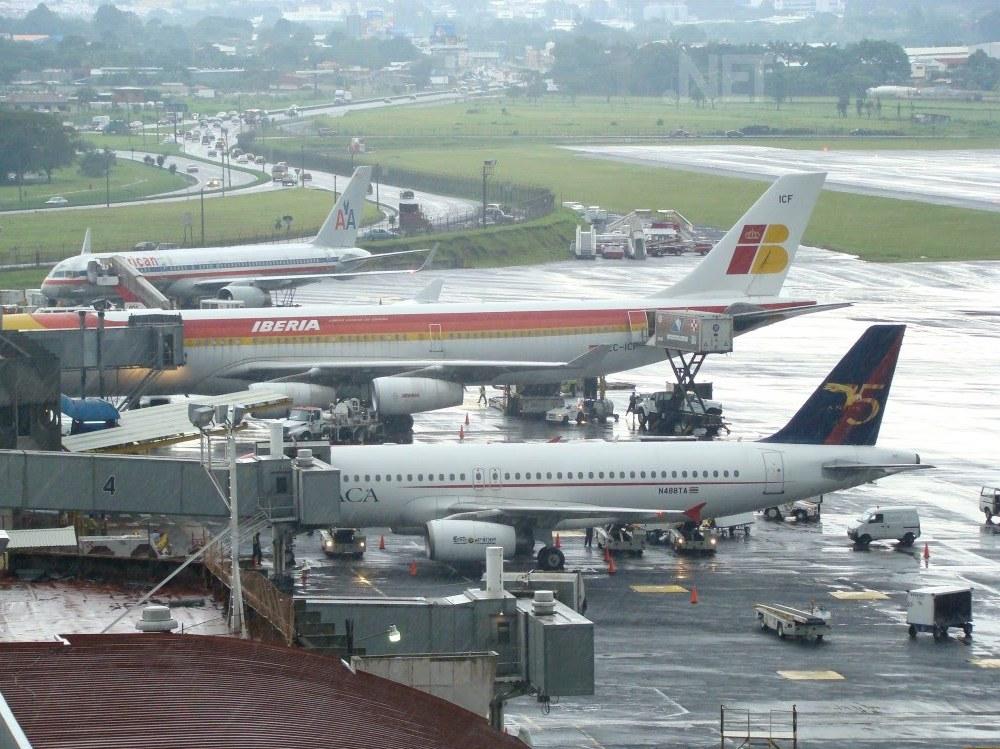 Salidas de vuelos aeropuerto internacional juan - Taxi puerto de santa maria ...