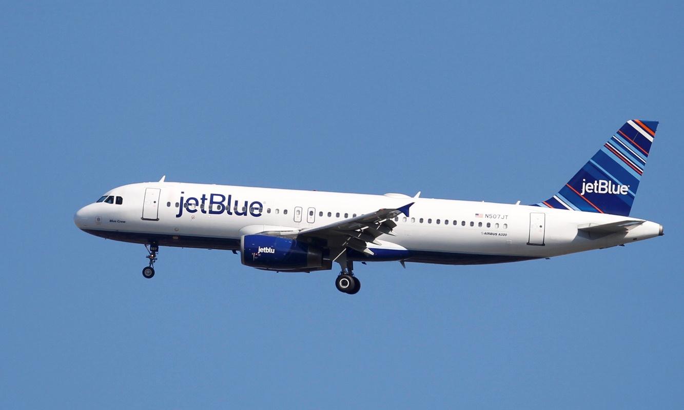 JetBlue aterriza en el Aeropuerto Internacional de Lima