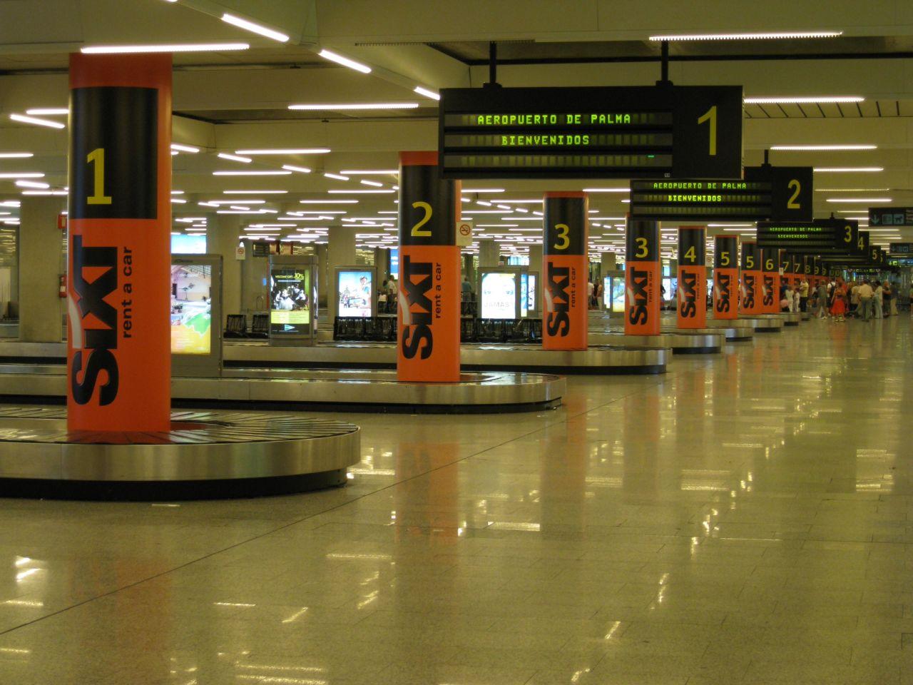 Llegadas de vuelos aeropuerto de palma de mallorca for Alquiler maquinaria mallorca