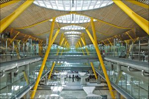 Interiores del Aeropuerto Madrid Barajas.