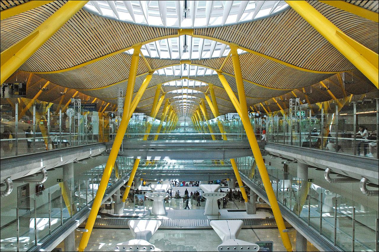 Salidas de vuelos aeropuerto de barcelona el prat for Oficina mapfre mas cercana