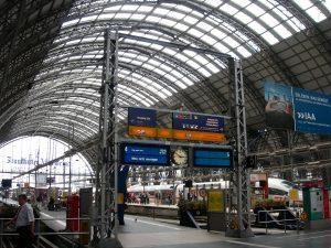 Tren en la estación de Frankfurt.