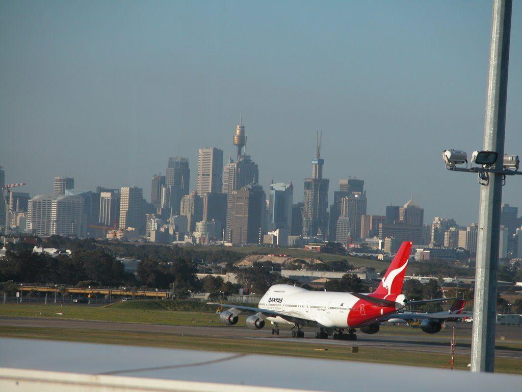 Cierran aeropuertos en australia