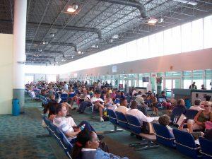 Sala de espera del Aeropuerto de Nassau