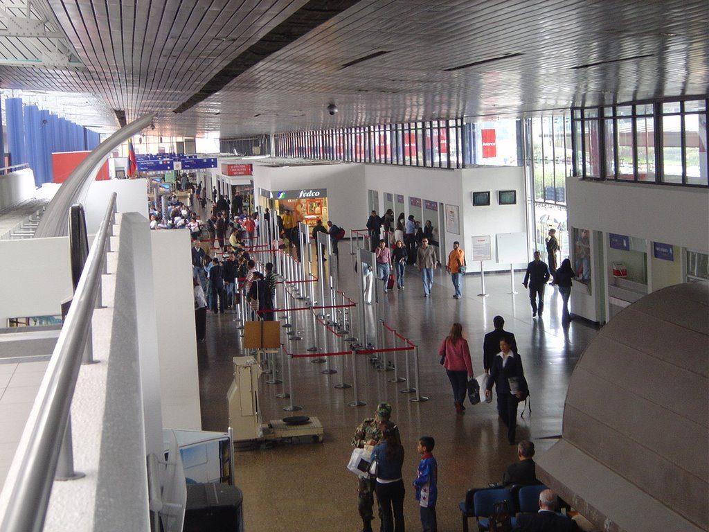 Aeropuerto internacional el dorado bog aeropuertos net for Cajeros en el aeropuerto