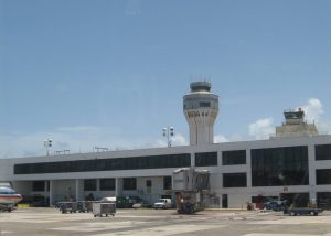 Torre de Aeropuerto Luis Muñoz Marin en San Juan