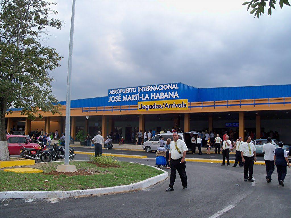 Resultado de imagen para aeropuerto de cuba