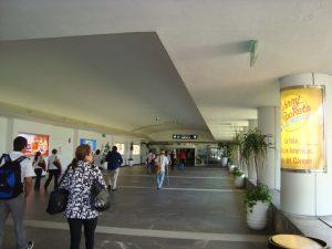 Entrada al aeropuerto de Cancun