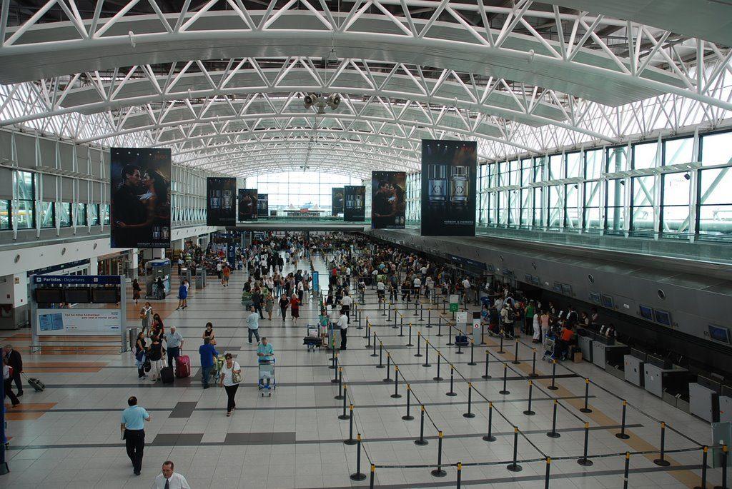 Domingo, paro en los aeropuertos: no habrá vuelos hasta el martes 2!