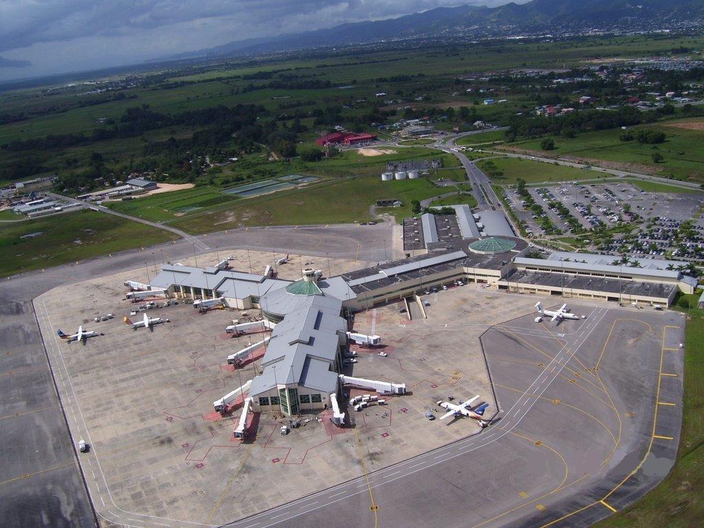 Aeropuerto Internacional De Piarco Pos Aeropuertos Net