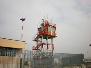 Torre de control del Aeropuerto de Bari