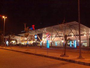 terminal 3 diwaktu malam