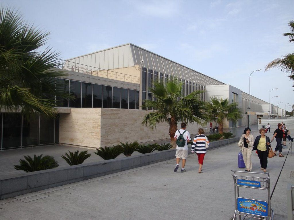 Aeroporto Tenerife Sud : Aeropuerto de tenerife sur tfs aeropuertos.net