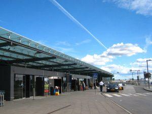 Puerta principal del Aeropuerto de Estocolmo