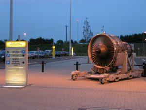 Sur le parking de l'aéroport de Liège - Bierset