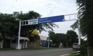 Entrada al Aeropuerto de Mérida