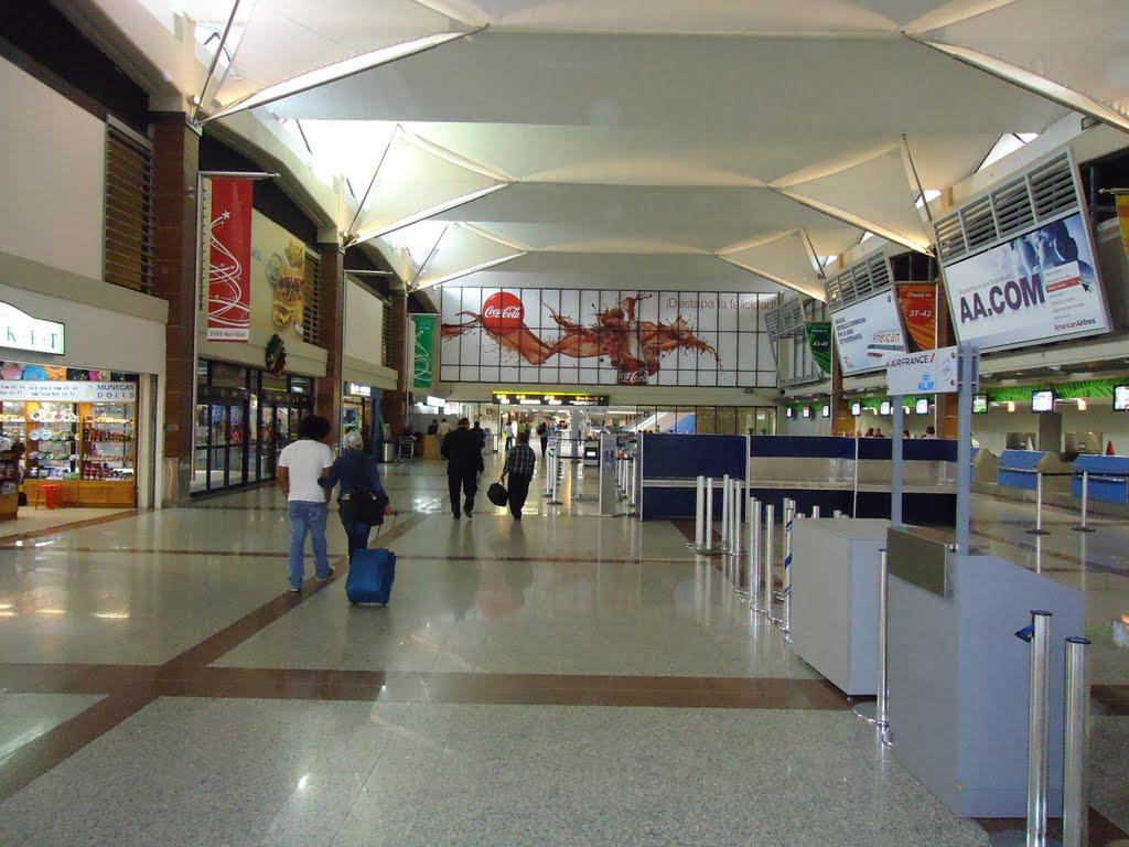 Resultado de imagen para lineas aereas en aeropuerto de las americas