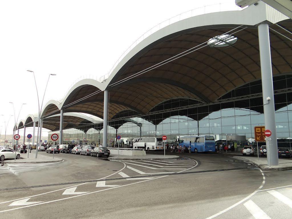 Aeroporto Alicante : Aeropuerto de alicante elche alc aeropuertos
