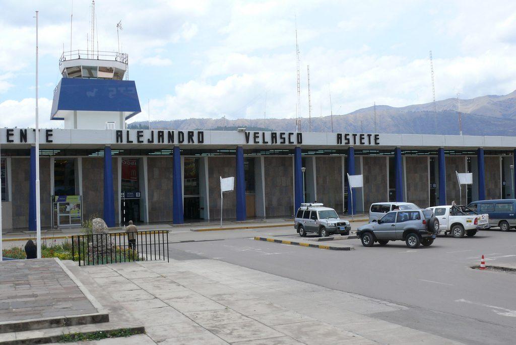 Aeropuerto Internacional Alejandro Velasco Astete Cuz Aeropuertos Net