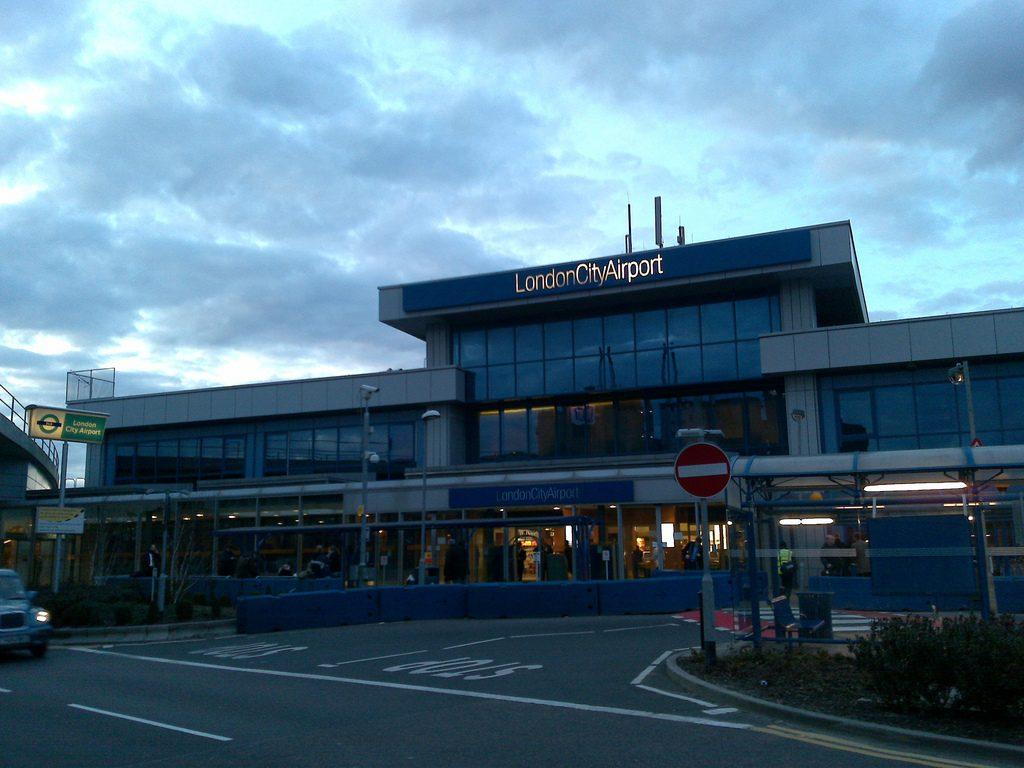 Aeropuerto de la Ciudad de Londres (LCY) - Aeropuertos.Net