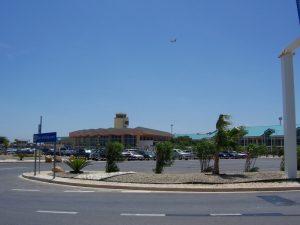 Aeropuerto Internacional Reina Beatriz