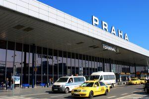 Frontis del Aeropuerto de Praga