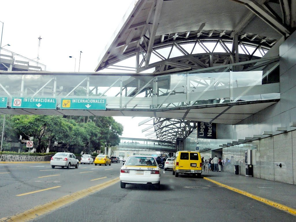 Aicm aeropuerto internacional de la ciudad de m xico mex for Cajeros en el aeropuerto