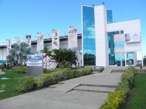 Fachada del Aeropuerto Arturo Michelina