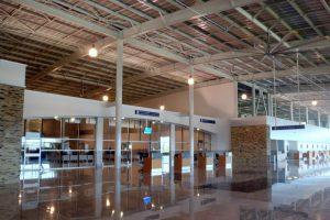 Interior del Aeropuerto Daniel Oduber Quiros Liberia.