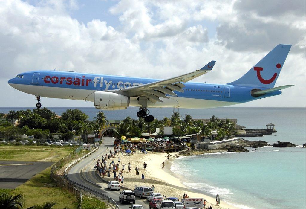 Resultado de imagen para Aeropuerto Internacional Princesa Juliana.