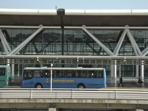 Aeropuerto Internacional Comodoro Arturo Merino Benítez: Autobuses