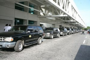 Taxis en el Aeropuerto Internacional de Maiquetía Simón Bolívar