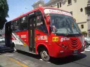 Autobus de la empresa Holding Express S.