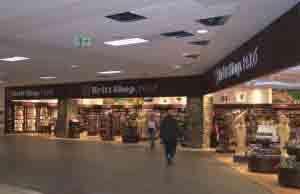 El Aeropuerto Jorge Chávez ofrece una gran variedad de tiendas para las compras de los turistas.
