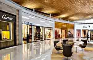 Tiendas en el Aeropuerto Charles de Gaulle.