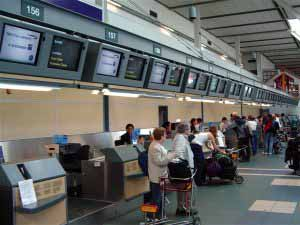 Check- in en el Aeropuerto Internacional de Vancouver, en Canadá.