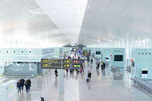 Interiores del Aeropuerto de Barcelona - El Prat.