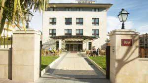 Exteriores del Hotel Loiu en Bilbao