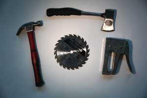 Se prohíben los objetos que puedan causar algún tipo de lesiones